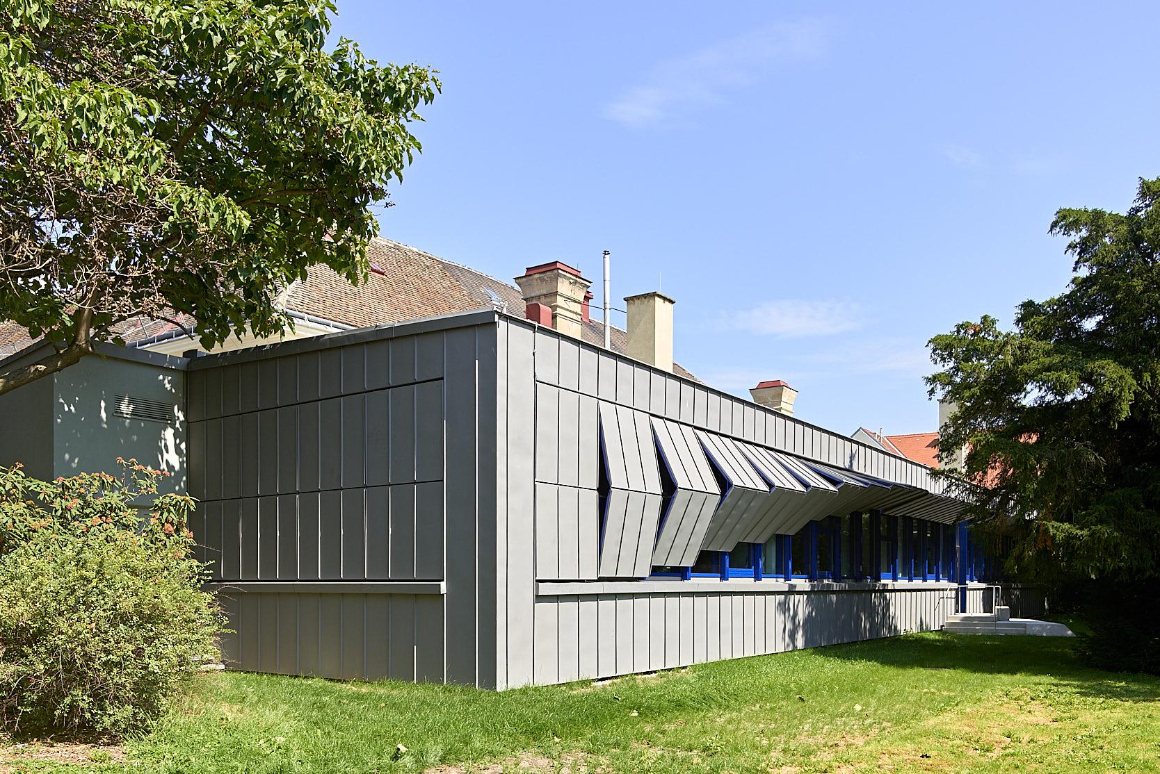 Brennhalle Wiener Porzellanmanufaktur Augarten: Sunshades