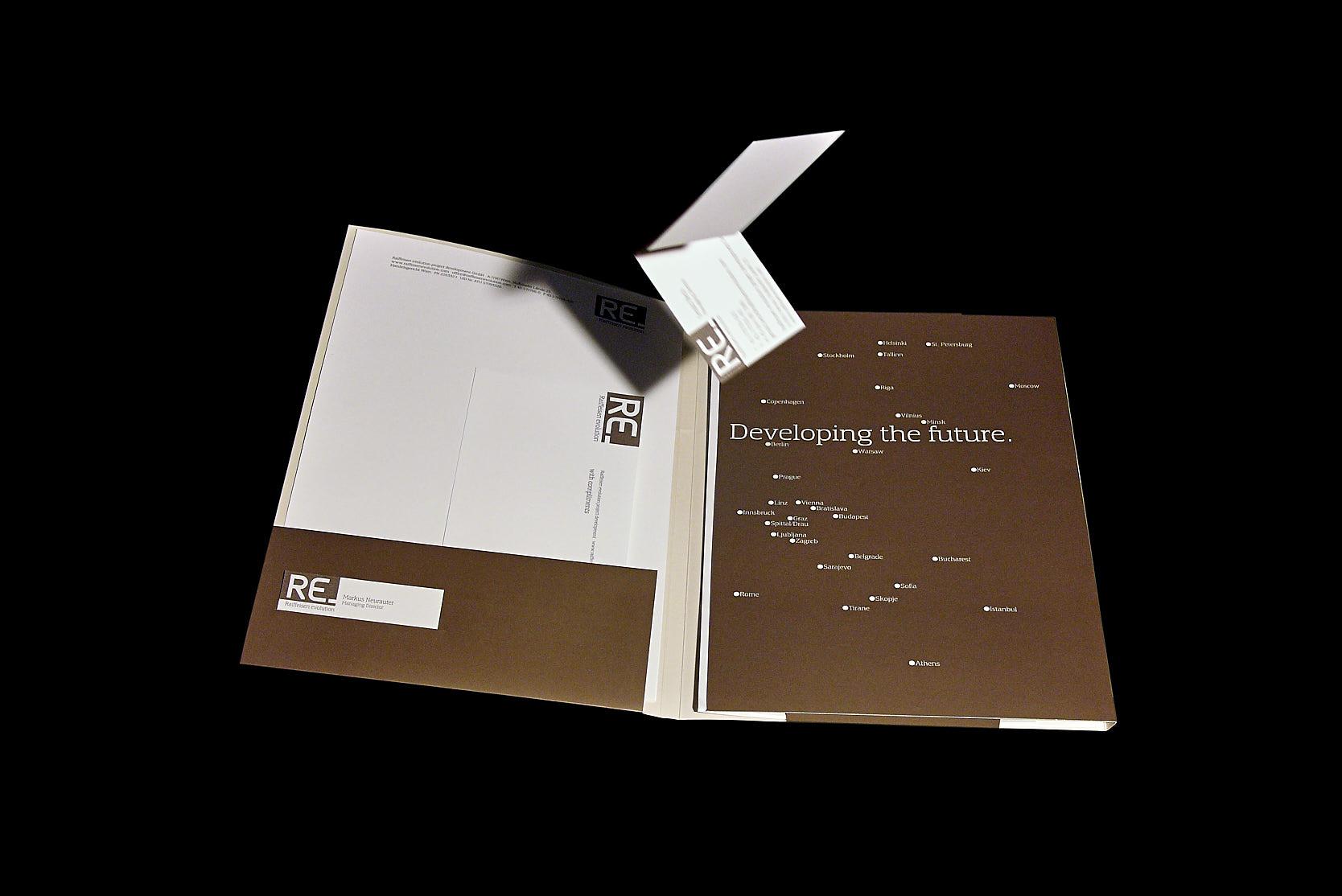 Raiffeisen Evolution: Folder