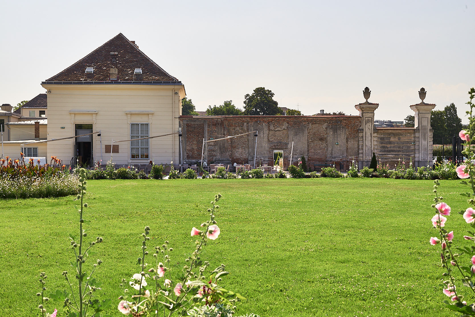Saalgebäude Augarten: View from the Augarten