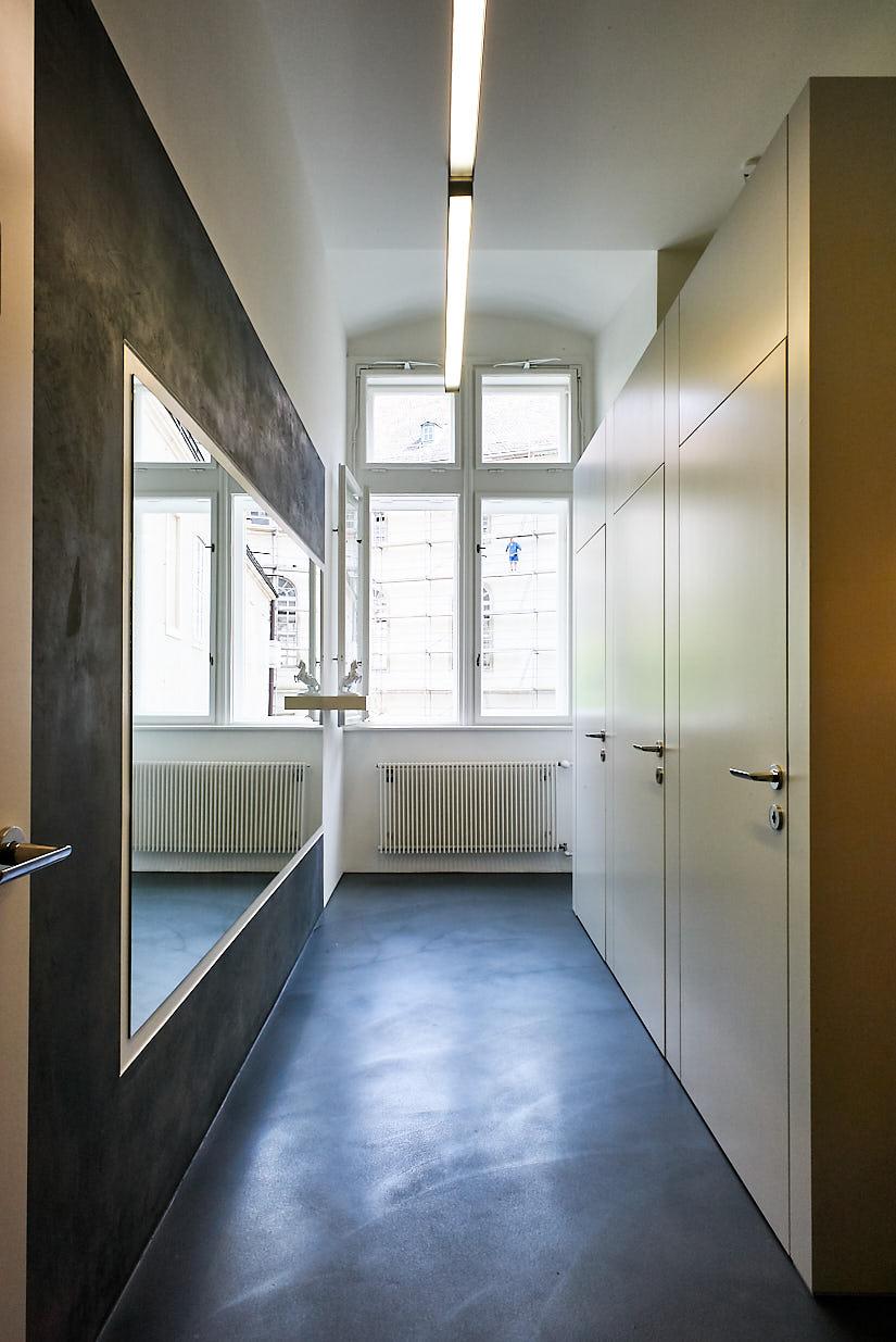 Burghauptmannschaft Österreich: Restrooms