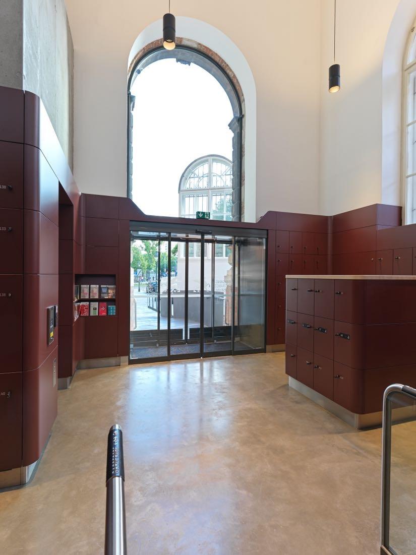 MAK New Entrance: Entrance, Lobby